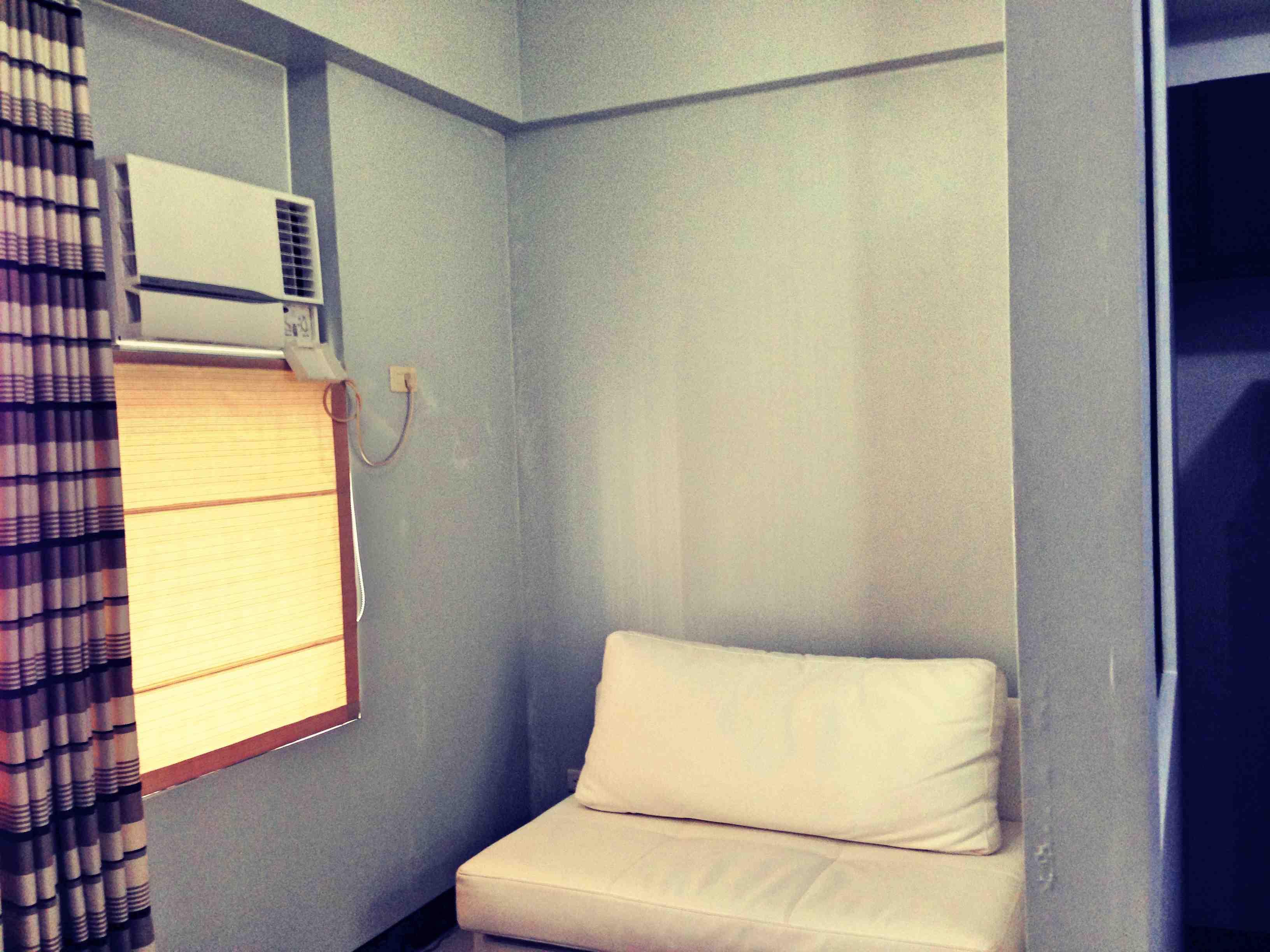 ややコンパクトな寝室