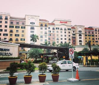 MALL OF ASIA 付近にあるマリオットホテル